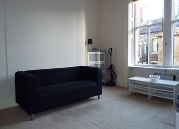 Thumbnail Studio to rent in Balmoral Place, Halifax