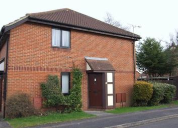 Thumbnail 1 bedroom property to rent in Linacre Close, Didcot, Oxfordshire