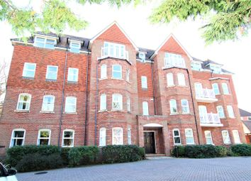 Silverdale Road, Eastbourne BN20. 3 bed flat for sale