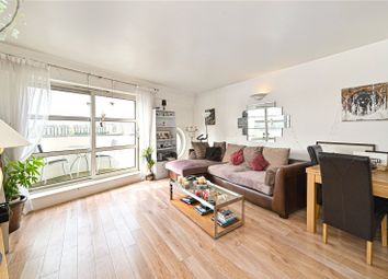 Cascades Tower, 2-4 Westferry Road, London E14. 2 bed flat