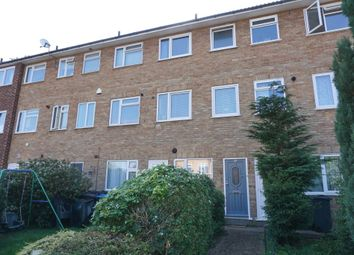 May Close, Chessington KT9. 2 bed maisonette