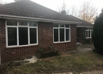 Thumbnail 4 bedroom bungalow to rent in Hemdean Road, Caversham, Reading