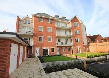 Thumbnail 1 bed flat to rent in Caversham House, Caversham, Reading