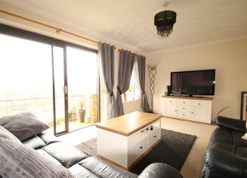 3 bed property for sale in Barrow Close, Brighton BN1