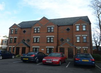 Thumbnail 1 bed flat to rent in Osborne Road, Farnborough