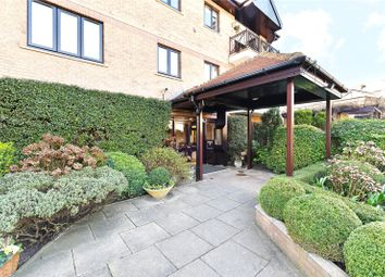 Thumbnail 2 bed flat for sale in Regency House, Regents Park Road, Finchley