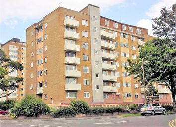 2 bed flat to rent in Manor Lea, Boundary Road, Worthing BN11