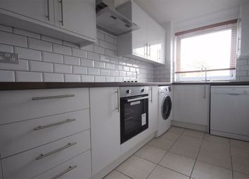 2 bed flat to rent in Kempton Court, High Road, Woodford Green IG8