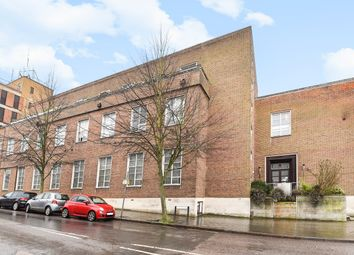 Thumbnail 3 bed flat for sale in Queen Street, Hitchin