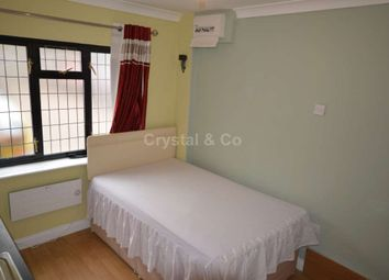 Thumbnail Studio to rent in Biscoe Close, Hounslow
