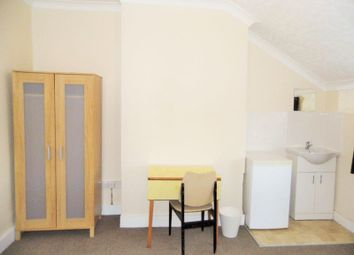 Thumbnail 1 bedroom property to rent in Chadwick Road, London