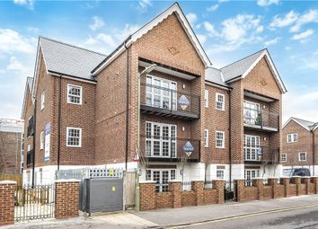 Thumbnail 2 bedroom flat for sale in Church Road, Fleet