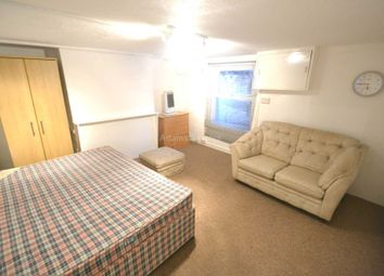 Thumbnail 1 bed flat to rent in Watlington Street, Reading