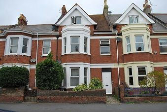 2 bed flat to rent in Victoria Road, Exmouth EX8