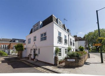 Thumbnail 4 bed property for sale in Swan Place, London