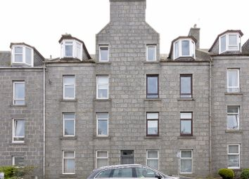 2 bed flat to rent in Rosemount Place, Rosemount, Aberdeen AB25