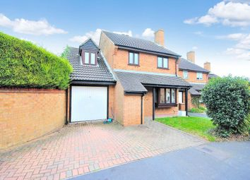 Thumbnail 4 bed property to rent in Dove Close, Bishops Stortford, Herts