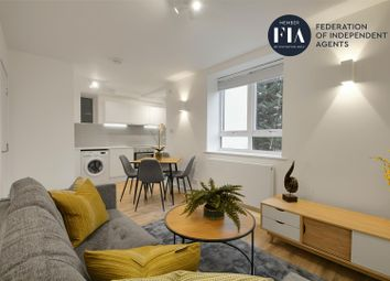 Thumbnail 3 bed flat to rent in Kew Bridge Court, London