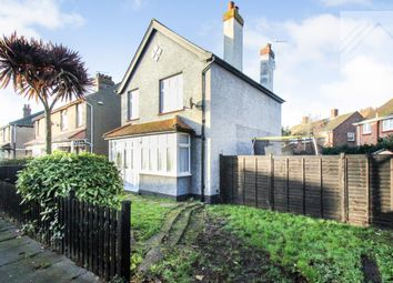 3 bed detached house to rent in Upper Park Road, Clacton-On-Sea CO15
