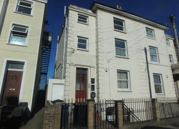 Thumbnail 1 bed flat to rent in Pier Road, Northfleet, Gravesend