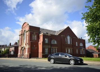 2 bed flat to rent in Bolton Road, Farnworth, Bolton BL4