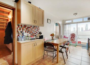 Clapham Road, London SW9. 2 bed flat for sale