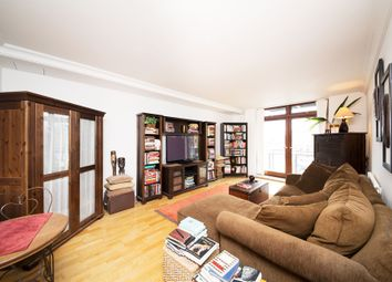 Thumbnail 1 bed flat to rent in Shearwater Court, City Quay, Star Place, St Katherine Docks, London