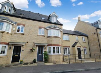 Thumbnail 3 bedroom town house for sale in Dione Cresecent, Oakhurst, Swindon