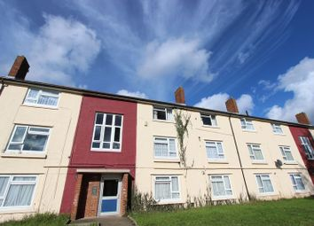 Thumbnail 2 bedroom flat for sale in Chiltern Green, Southampton