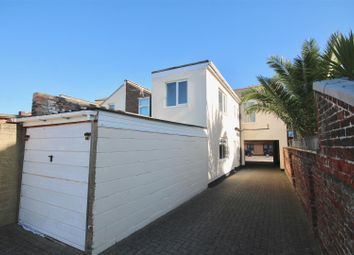 Thumbnail 1 bed flat to rent in Collingwood Road, Southsea