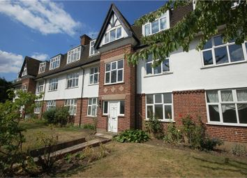 Thumbnail 2 bedroom flat to rent in Upper Sunbury Road, Hampton