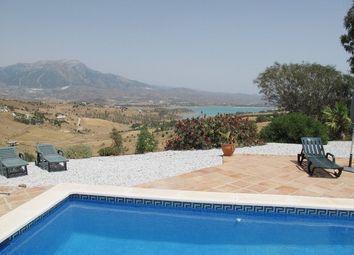 Thumbnail 3 bed villa for sale in Viuela, Mlaga, Andalusia