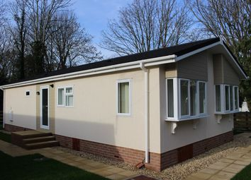 Thumbnail 1 bedroom mobile/park home for sale in Waterfall Mews, Ham Manor Park, Llantwit Major