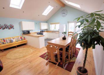 Kelvin Grove, Portchester, Fareham PO16. 3 bed semi-detached bungalow