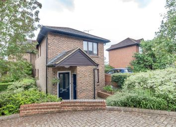 Thumbnail 1 bed flat for sale in Gooch Close, Twyford, Reading