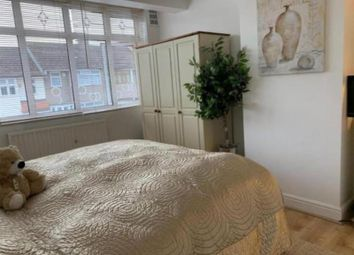 3 bed semi-detached house to rent in Western Avenue, Dagenham RM10