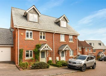 Thumbnail 3 bed town house to rent in Ducketts Mead, Shinfield, Reading, Berkshire