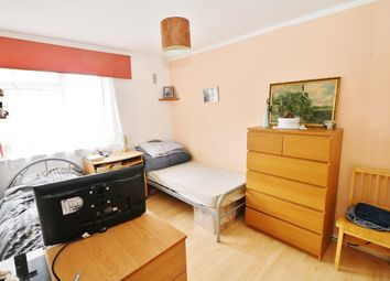 Thumbnail 2 bed flat to rent in Arthingworth Street, London