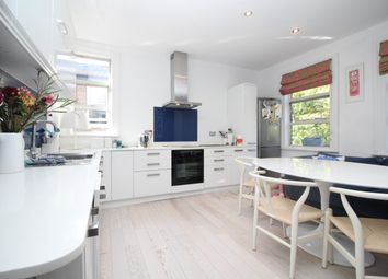 Thumbnail 2 bedroom flat to rent in North View Road, London