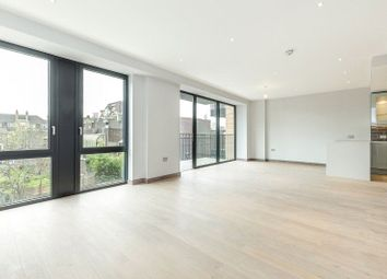 Thumbnail 3 bed flat to rent in Gowing House, 4 Drapers Yard, Lodon