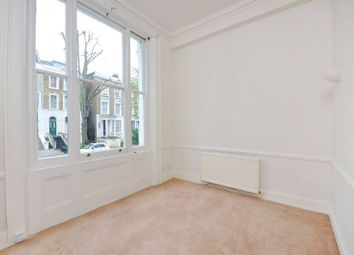 Thumbnail 1 bed flat to rent in Blenheim Crescent, Holland Park