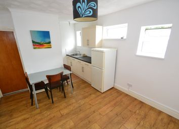 Thumbnail 3 bedroom flat to rent in Whitchurch Road, Heath, Cardiff