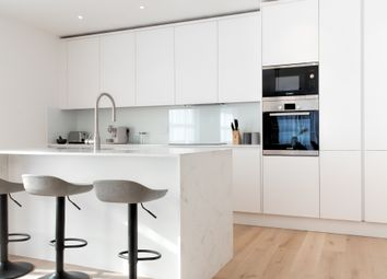 Thumbnail 2 bedroom flat for sale in Whetstone Square, High Road, Whetstone