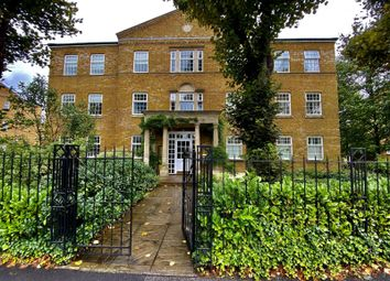 Balaclava Road, Long Ditton, Surbiton KT6. 2 bed flat
