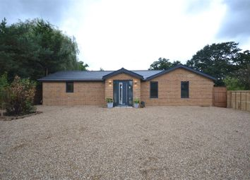 Thumbnail 3 bed detached house for sale in Leatherhead Road, Chessington
