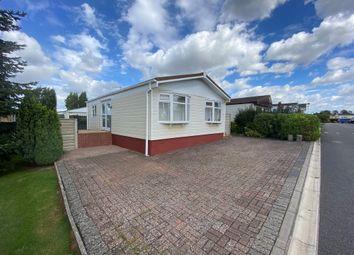2 bed mobile/park home for sale in Redlands Park, Lighthorne, Warwick CV35