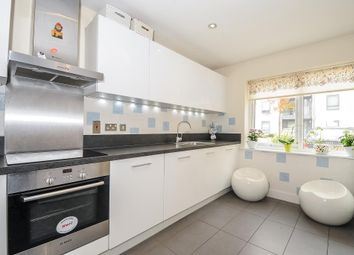 Thumbnail 4 bed town house to rent in Kennet Island, Reading