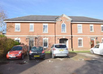 Wallace Square, Coulsdon, Surrey CR5. 2 bed flat for sale