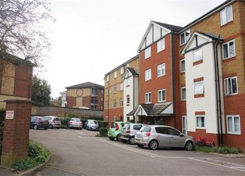 Thumbnail 1 bed flat for sale in Old Bedford Road, Luton, Bedfordshire