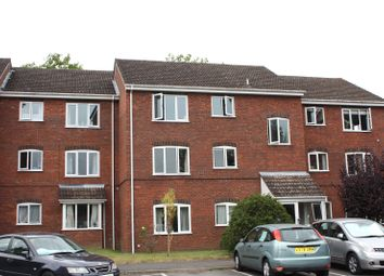 Thumbnail 2 bed flat to rent in Bexley Court, Reading, Berkshire